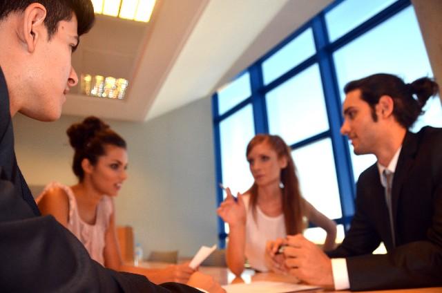 【英会話】例文を覚えずに自己紹介もビジネスも対応できる勉強法