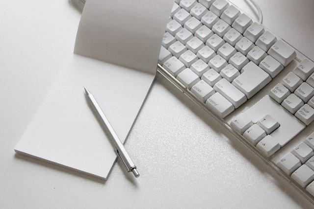 メモ帳とキーボード