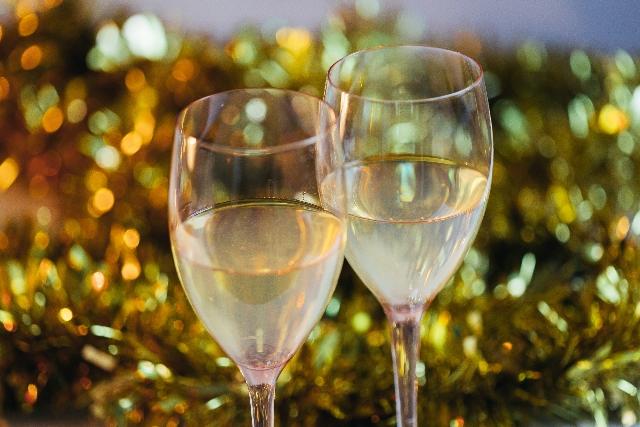 クリスマスに飲むワイングラス