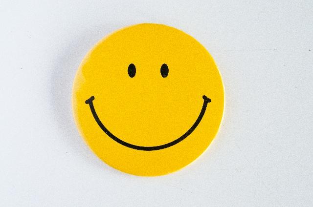黄色の笑顔のマーク